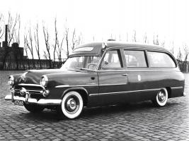 Прикрепленное изображение: ford_customline_ambulance_by_visser_1.jpg