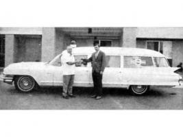 Прикрепленное изображение: Russell_Burns_with_first_ambulance_1970.jpg