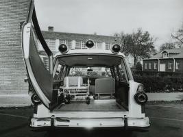 Прикрепленное изображение: ford_country_sedan_ambulance_by_weller_3.jpg