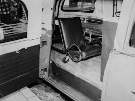 Прикрепленное изображение: packard_300_ambulance_by_henney_2.jpg