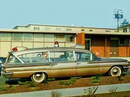 Прикрепленное изображение: pontiac_bonneville_criterion_ambulance_by_superior_1.jpg