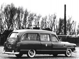 Прикрепленное изображение: ford_customline_ambulance_by_visser_2.jpg