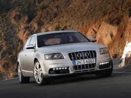 Прикрепленное изображение: Audi-S6-2006-foto01.jpg