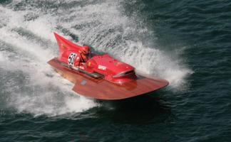 Прикрепленное изображение: 1953-TimossiFerrari-Arno-XI-racing-hydroplane_1.jpg