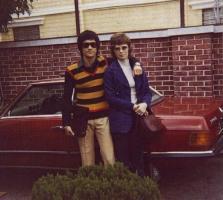 Прикрепленное изображение: Bruce Lee and Family in Color Vintage Photos (1).jpg
