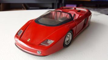 Прикрепленное изображение: Ferrari-Mythos-118-Revell1.jpg