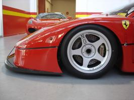 Прикрепленное изображение: Ferrari-F40-LM-Competizione9-wheel-detail-Serial-Number-97881.jpg