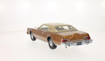Прикрепленное изображение: 1974 Lincoln Mark IV 3.png