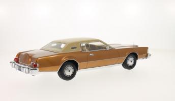 Прикрепленное изображение: 1974 Lincoln Mark IV 2.png