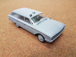 Прикрепленное изображение: 1960 Ford Country Squire.jpg