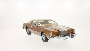 Прикрепленное изображение: 1974 Lincoln Mark IV 4.jpg