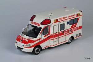Прикрепленное изображение: Mercedes-Benz Sprinter 3-Series Box Ambulance Masterpiece Collectibles.jpg