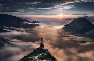 Прикрепленное изображение: small-man-grand-nature-landscape-photography-41.jpg