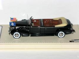 Прикрепленное изображение: Cadillac Series 90 V16 Presidential Limousine Queen Mary 1938 004.JPG