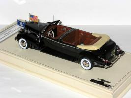 Прикрепленное изображение: Cadillac Series 90 V16 Presidential Limousine Queen Mary 1938 005.JPG
