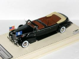 Прикрепленное изображение: Cadillac Series 90 V16 Presidential Limousine Queen Mary 1938 003.JPG