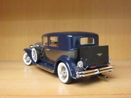 Прикрепленное изображение: 1934 Duesenberg Model J Willoughby Berline 1.jpg