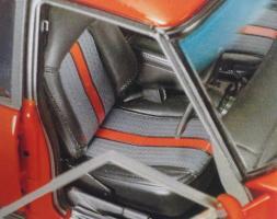 Прикрепленное изображение: 1-18-classic-carlectables-holden-hx-gts-monaro-mandarin-red-18660_4_.jpg