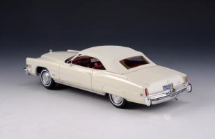 Прикрепленное изображение: 1973 Cadillac Eldorado Convertible Close roof.jpg