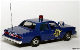 Прикрепленное изображение: 1988 Chevrolet Caprice Michigan State Police - White Rose Collectibles - DEDGM99107W - 2_small.jpg