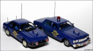Прикрепленное изображение: 1991 Ford Mustang SSP Michigan State Police - White Rose Collectibles - DEDF99084W - 3_small.jpg