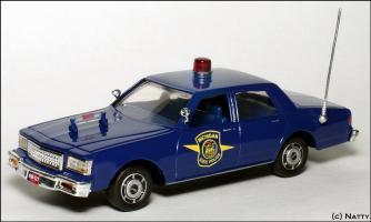 Прикрепленное изображение: 1988 Chevrolet Caprice Michigan State Police - White Rose Collectibles - DEDGM99107W - 1_small.jpg