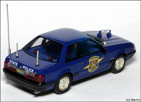 Прикрепленное изображение: 1991 Ford Mustang SSP Michigan State Police - White Rose Collectibles - DEDF99084W - 2_small.jpg