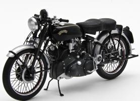 Прикрепленное изображение: Vincent - HRD Series C Black Shadow Minichamps.jpg