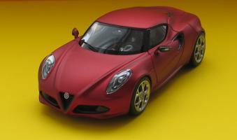 Прикрепленное изображение: Alfa Romeo 4C-01.jpg