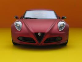 Прикрепленное изображение: Alfa Romeo 4C-03.jpg