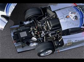 Прикрепленное изображение: Mercedes-Benz-CLK-GTR-hr-manu-05.jpg