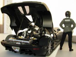 Прикрепленное изображение: зад и мотор.JPG