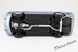 Прикрепленное изображение: BMW 3.0 CSi Autoart for BMW 80430404077_11.jpg