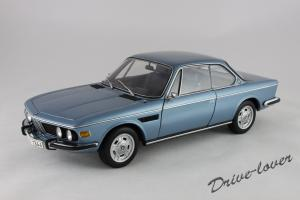 Прикрепленное изображение: BMW 3.0 CSi Autoart for BMW 80430404077_01.jpg