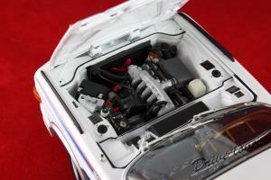 Прикрепленное изображение: BMW 3,0 CSL with spoilers Minichamps 180029021_10.jpg