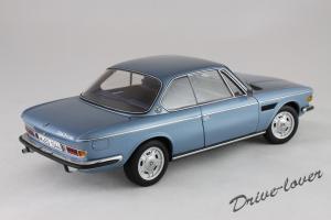 Прикрепленное изображение: BMW 3.0 CSi Autoart for BMW 80430404077_06.jpg