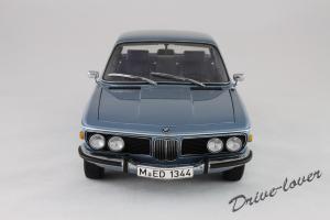 Прикрепленное изображение: BMW 3.0 CSi Autoart for BMW 80430404077_04.jpg