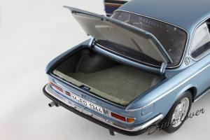 Прикрепленное изображение: BMW 3.0 CSi Autoart for BMW 80430404077_09.jpg