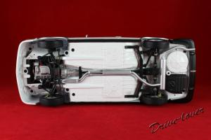 Прикрепленное изображение: BMW 3,0 CSL with spoilers Minichamps 180029021_11.jpg