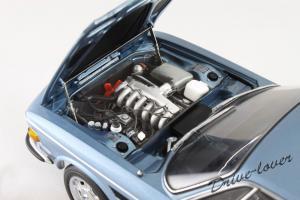 Прикрепленное изображение: BMW 3.0 CSi Autoart for BMW 80430404077_10.jpg