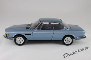 Прикрепленное изображение: BMW 3.0 CSi Autoart for BMW 80430404077_02.jpg