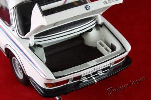 Прикрепленное изображение: BMW 3,0 CSL with spoilers Minichamps 180029021_08.jpg