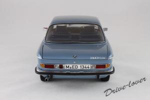 Прикрепленное изображение: BMW 3.0 CSi Autoart for BMW 80430404077_05.jpg