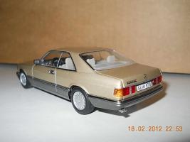 Прикрепленное изображение: Colobox_Mercedes-Benz_560SEC_C126_Minichamps~02.jpg