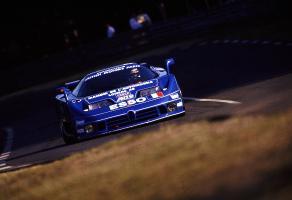 Прикрепленное изображение: bugatti-eb110-le-mans-1994-in-action-a--1049-p.jpg