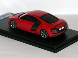 Прикрепленное изображение: Audi R8 e-tron 2012 005.JPG