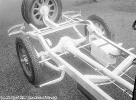 Прикрепленное изображение: mbW11 10_50ps typ 260 Stuttgart fahrgestell 7.jpg