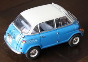 Прикрепленное изображение: BMW 600 - sverxu szadi sboku.jpg