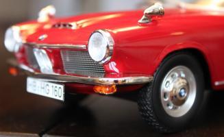 Прикрепленное изображение: BMW 1600 GT - speredi sboku blizko.jpg
