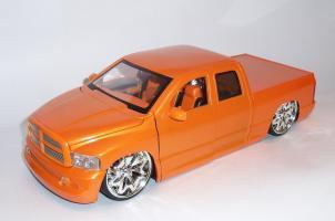 Прикрепленное изображение: Додж рам оранж (5).JPG